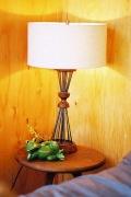 ������ �ե��˥��㡼 BETHEL TABLE LAMP