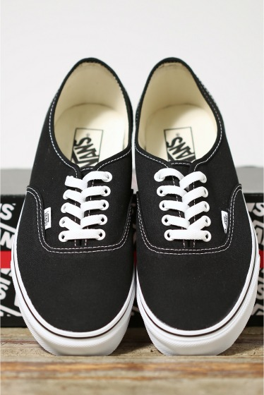���㡼�ʥ륹��������� ���塼�� VANS CLASSIC AUTHENTIC �֥�å�