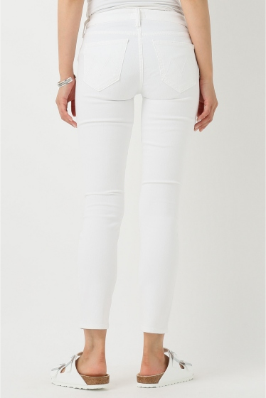 �ɥ����������� ���饹 MOTHER WHITE SKINNY�� �ܺٲ���4